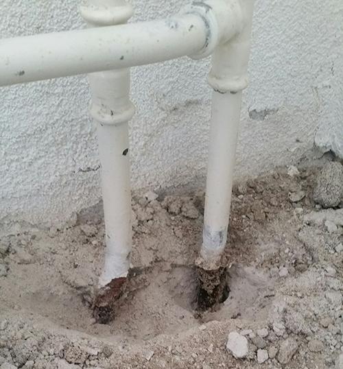 Doorgeroeste leidingen vervangen
